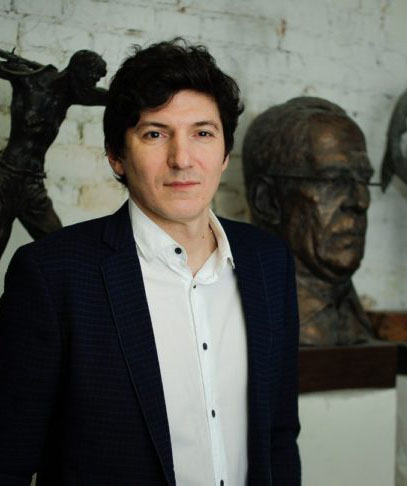 Фото скульптор Михаил Баскаков